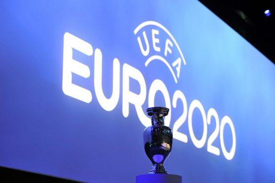 euro-2020-trophy-sifis-prognostikapstoixima-pieros-soteriou